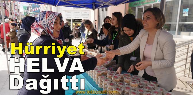 Başkan Hürriyet, Helva Dağıttı
