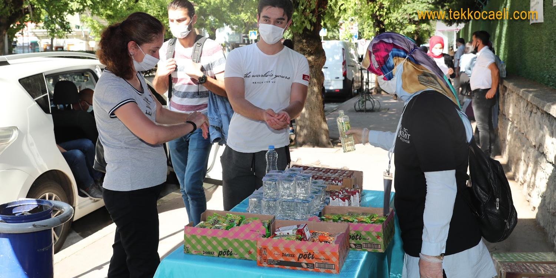 İzmit Belediyesi, Öğrenci ve Velileri Yalnız Bırakmadı