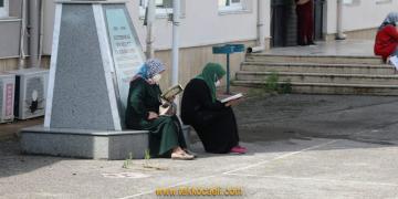 LGS'de Başarılı Olsun Diye Kuran-ı Kerim Okudular