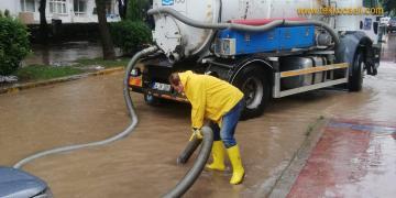İSU'dan Su Baskınlarına Anında Müdahale