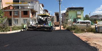 İzmit Belediyesi'nden Yeşilova'ya Yepyeni Asfalt Yol