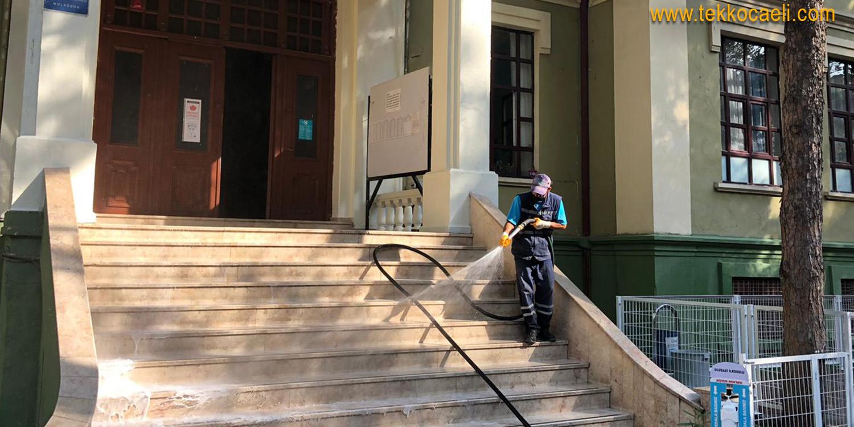 İzmit Belediyesi Okulları Dezenfekte Ediyor