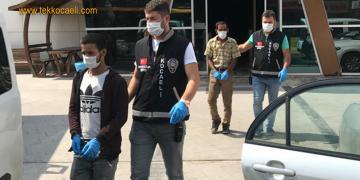 Gölcük'te Otomobil Çalan Hırsızlar Yakalandı