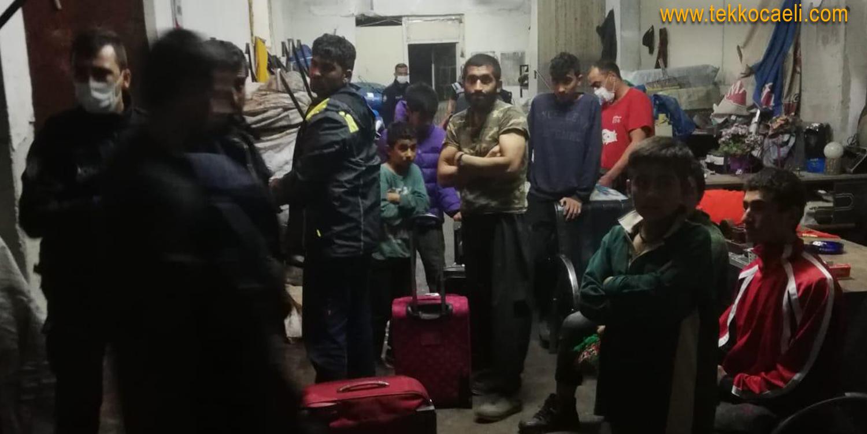 Afgan Uyruklu 46 Kaçak Göçmen Yakalandı