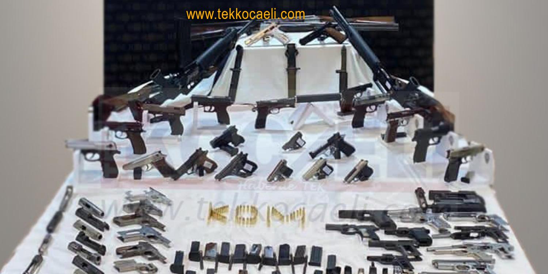 Silah Kaçakçılarına Operasyon; Adeta Cephanelik Çıktı