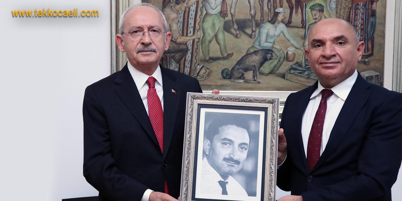 Tahsin Tarhan'dan Kemal Kılıçdaroğlu'na Hediye