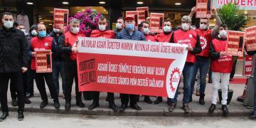 DİSK'ten İŞKUR Önünde Asgari Ücret Çıkışı