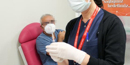 'Aşı'daki En Büyük Yan Etkiyi Açık Açık Söyledi