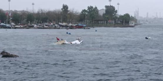 Fırtına Balıkçı Teknesini Batırdı