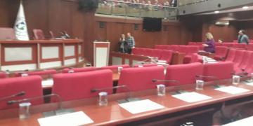 İzmit Meclisinde AKP'li 2 Meclis Üyesi Tartıştı