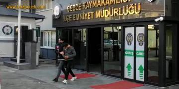 Polisiz Deyip 210 Bin Lira Dolandırdı