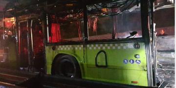 Büyükşehir Belediyesi'ne Ait Otobüs Alev Alev Yandı