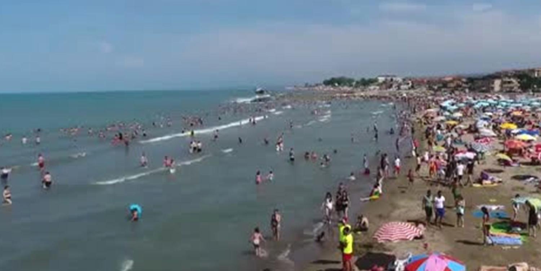 Denize Girmek Yasaklandı; Karasu Sahilinde Panik