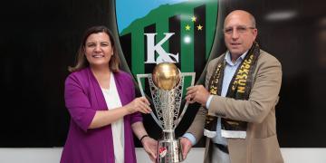 Başkan Hürriyet'ten Kocaelispor'a Transfer Hediyesi