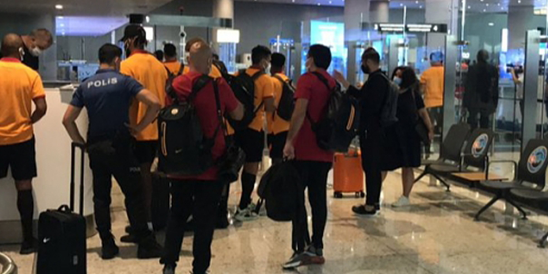 Galatasaray Kafilesine Yunanistan'da Çirkin Hareket