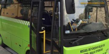 Halk Otobüsü Servis Aracıyla Çarpıştı; Yaralılar Var
