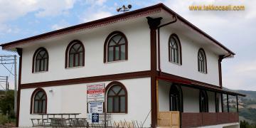 Yeni Cami Gölcük Mamuriye Köyü'ne Çok Yakıştı