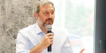 Ak Parti'li Vekil Muhalefeti Adeta Bombaladı